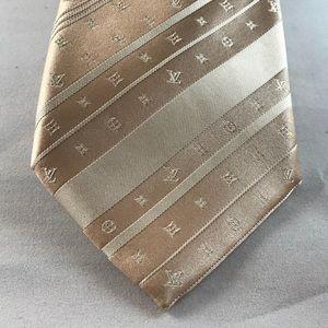 Men's Louis Vuitton Golden Logo striped tie. 100%